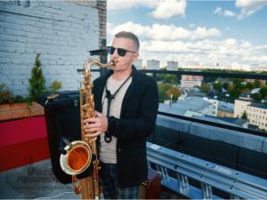 заказать живое выступление саксофониста на корпоративе